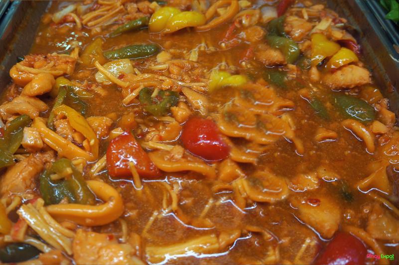 Squids with tomato sauce